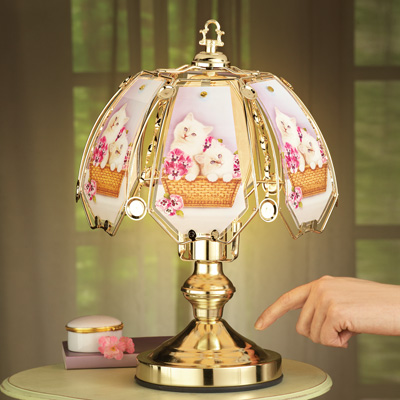 Cats Touch Lamp with Gold-tone Base