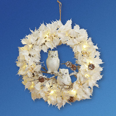 Lighted White Christmas Wreath w/ Owls