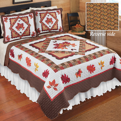 Fall Bedroom Décor Leaves Patchwork Quilt
