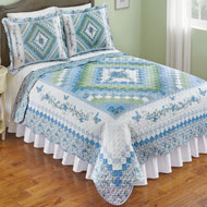 Elegant Diamond Floral Quilt with Scalloped Edges