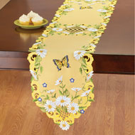 Daisies and Butterfly Yellow Table Linens - 46660